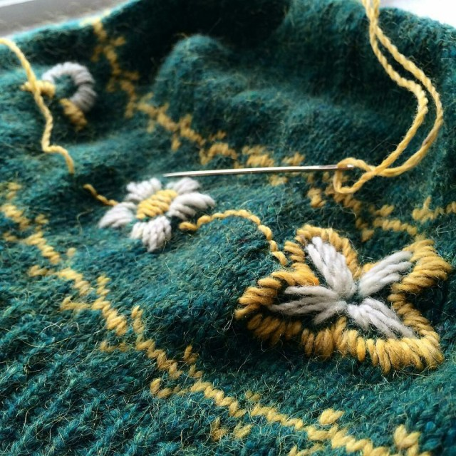 Finishing up the Berit hat by @cakeandvikings, with obvious modifications. This won't be my last time using embroidery on my #knitting! #handknits #knitting #wovember2015 #wool #beaverslidedrygoods #embroidery #handsewing