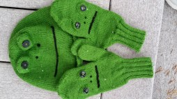 hat and mittens worked in 100% wool vintage yarn