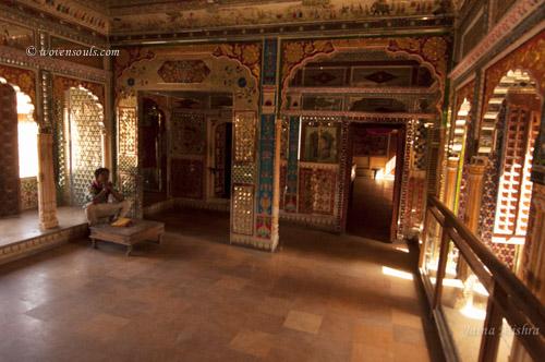 Traditional-Rajasthan-House-Art-Jaisalmer15