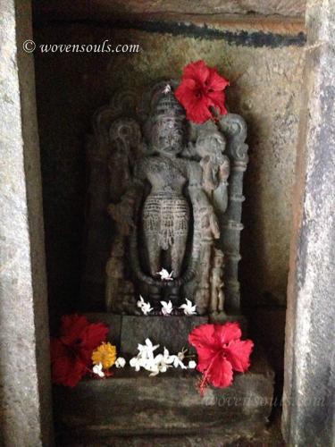 Tamdi-Surla-temple-Goa-09