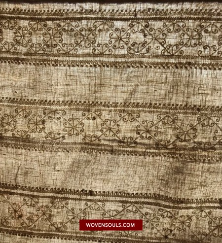 ANTIQUE SWAT VALLEY SHAWL WITH RARE EMBROIDERY - wovensouls
