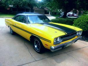 1970 Plymouth GTX 440 Front - Right