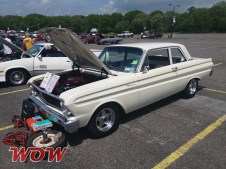 1964 Ford Falcon - Side
