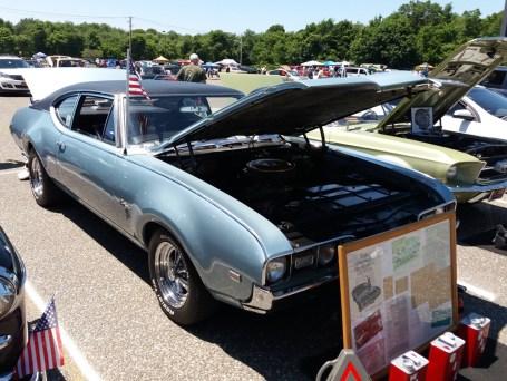 1968 Oldsmobile Cutlass - Side