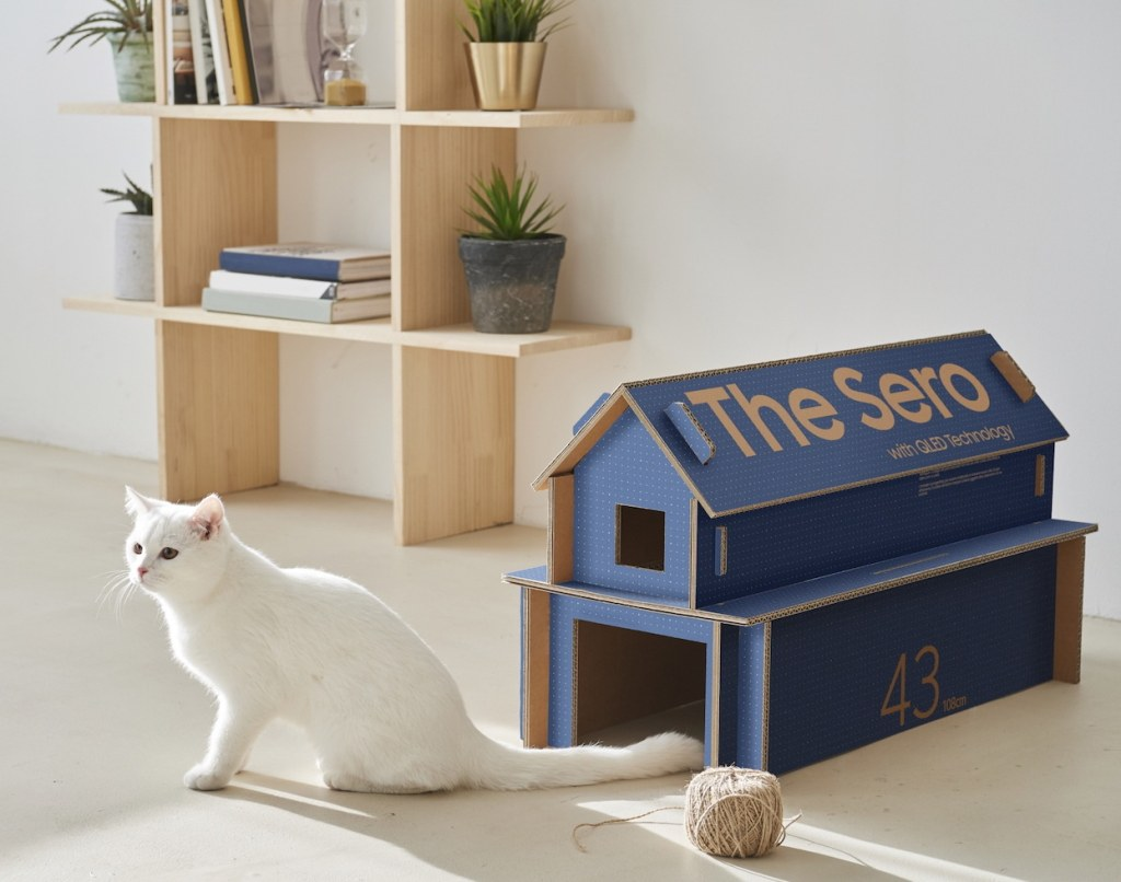 Box remade into cat house