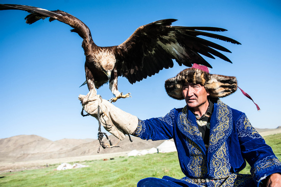 Un falconiere in Mongolia