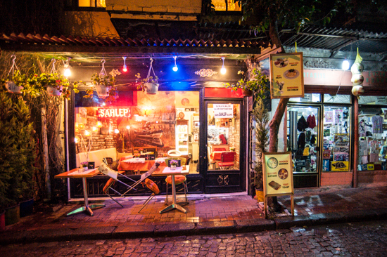 Istanbul, un bar di Balat che serve Salep