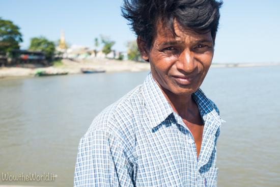 Un pescatore di Katha, Irrawaddy.