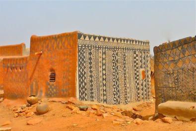 Tiébélé village - in Burkina Faso - by Rita Willaert/Flickr