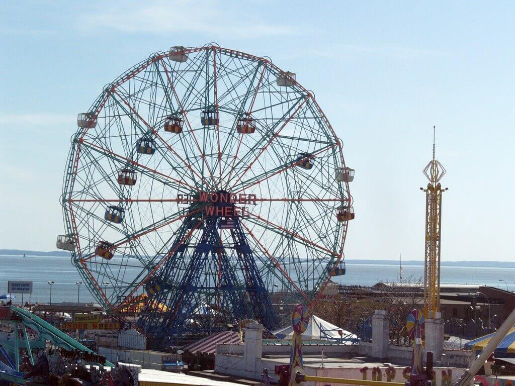 9. The Wonder Wheel (Coney island, New York City) - Source: Flicker/Bonnie Natko