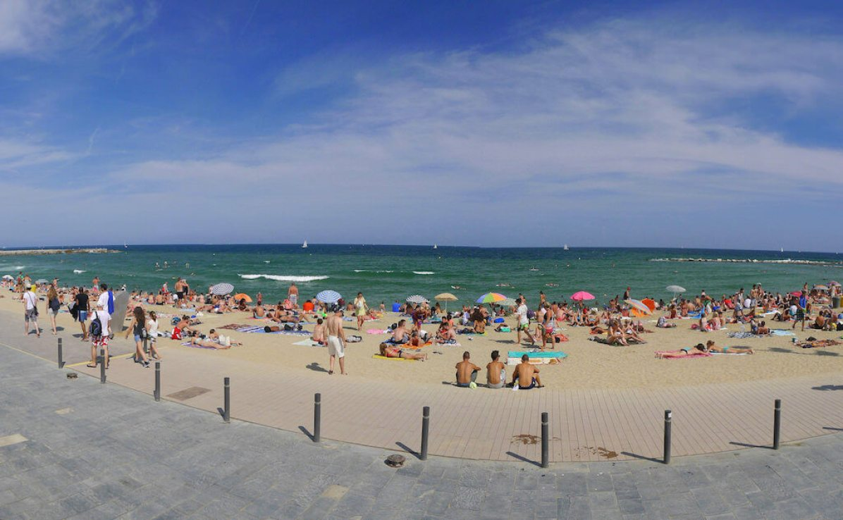 Barcelona Beach - by Ronny Siegel:Flickr