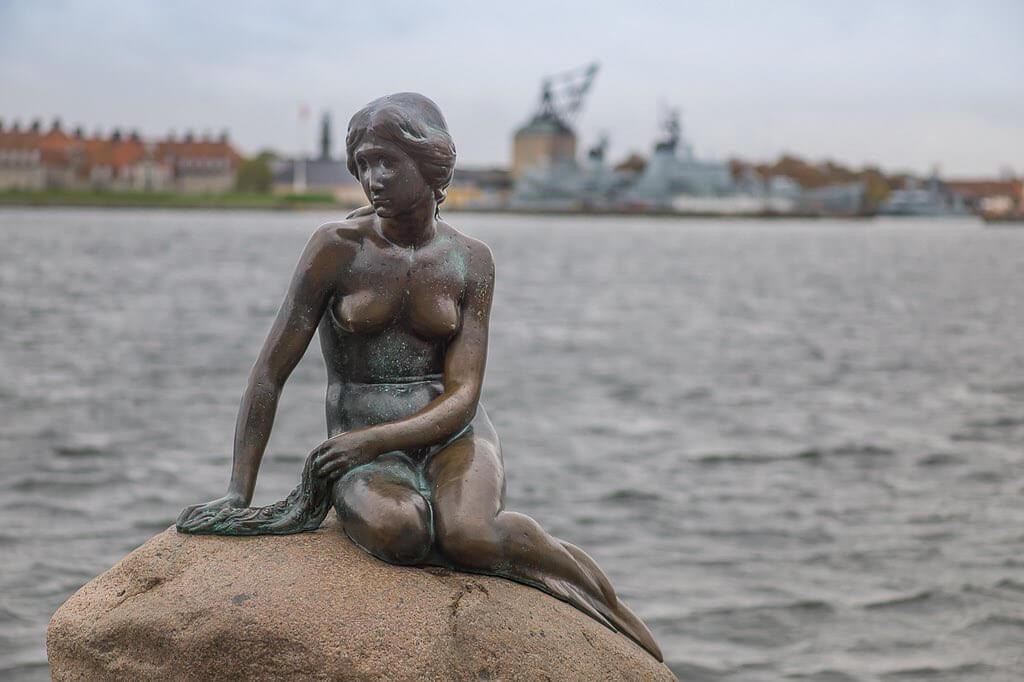 Little Mermaid, Copenhagen - by mompl :Flickr