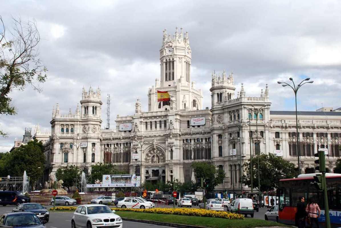La Plaza de Cibeles, Madrid - by Cristiano Maia/Flickr