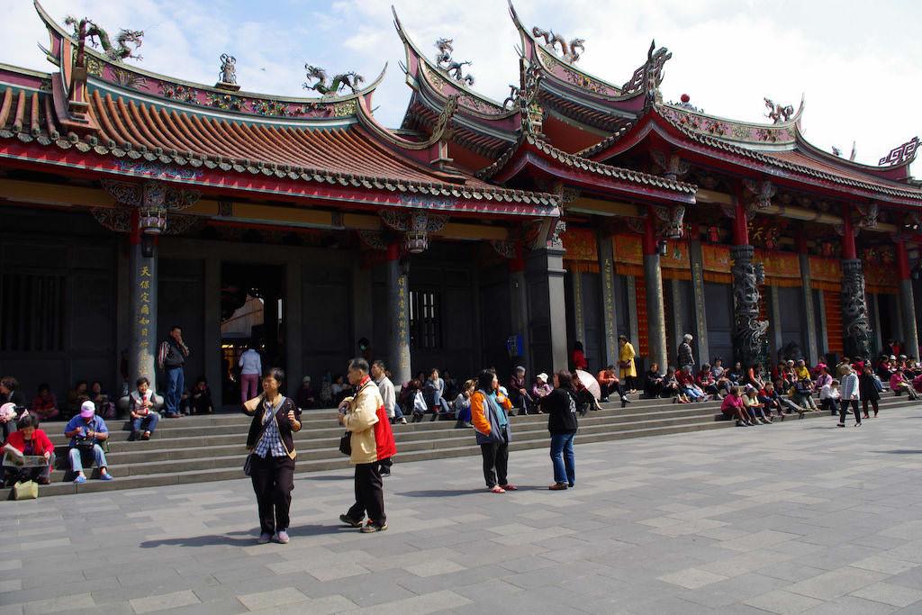 Xingtian Temple, Taipei - by Twang_Dunga