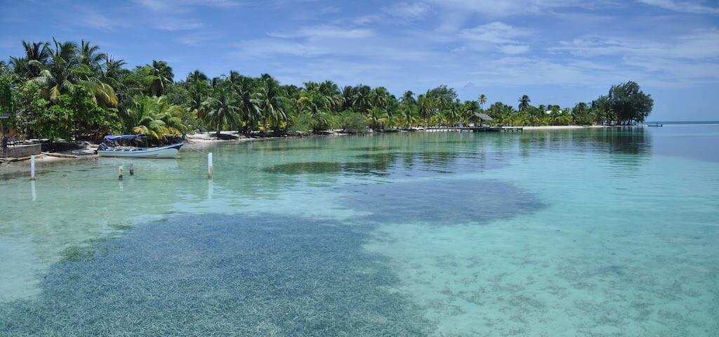 Placencia, Belize - by Jorge Torres - Jtorresbris:Flickr