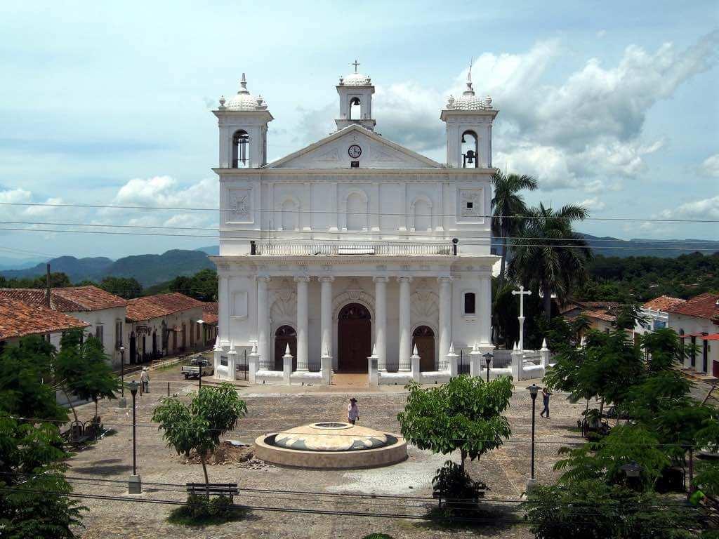 Suchitoto, El Salvador - by Michael R. Swigart:Flickr