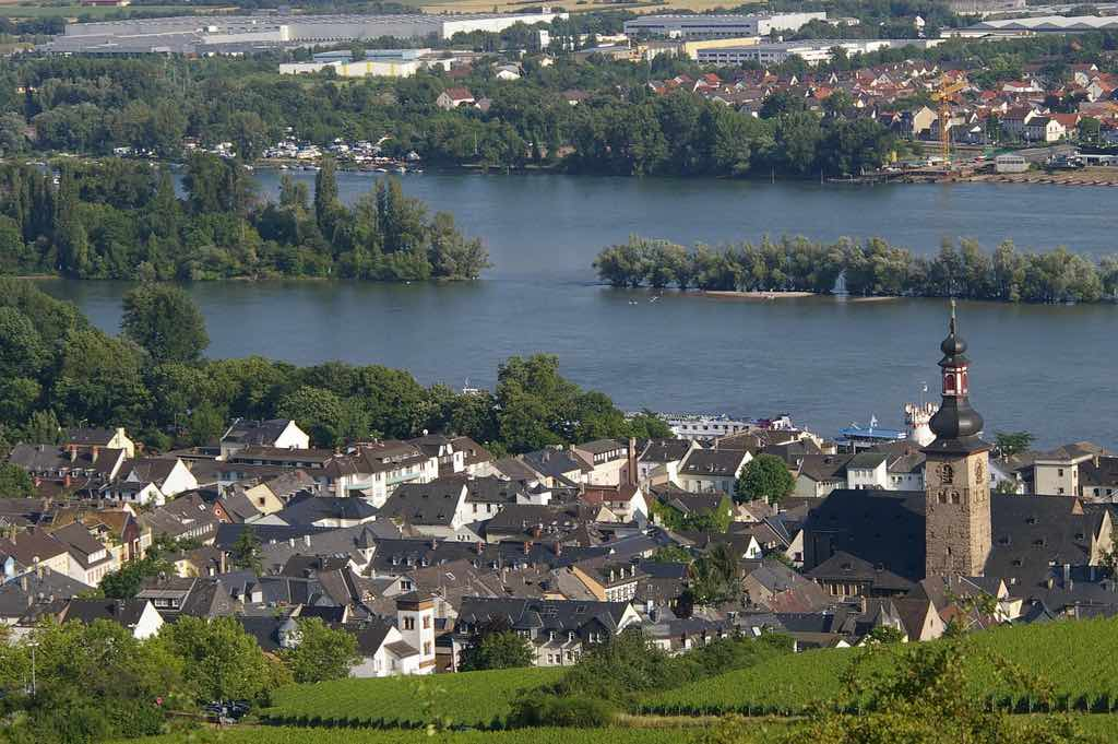 Rüdesheim, Germany - by Delphine Ménard - notafish:Flickr