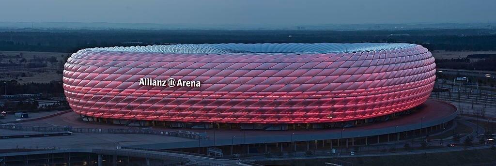 Allianz Arena, Munich - by Richard Bartz, Munich aka Makro Freak:Wikimedia