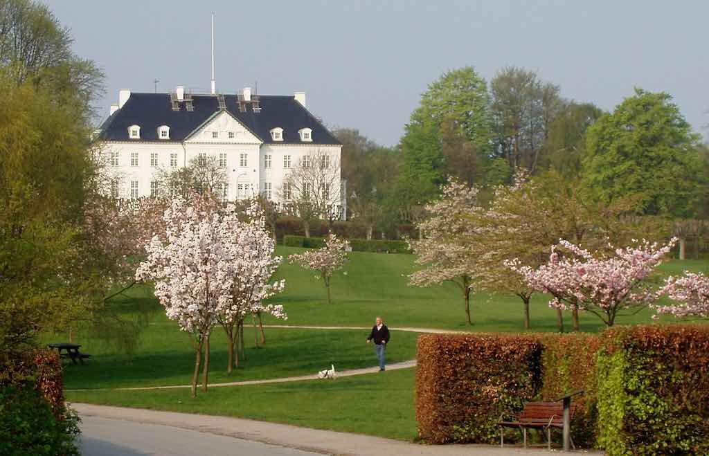 Marselisborg Palace, Aarhus - by Nico-dk/Wikimedia