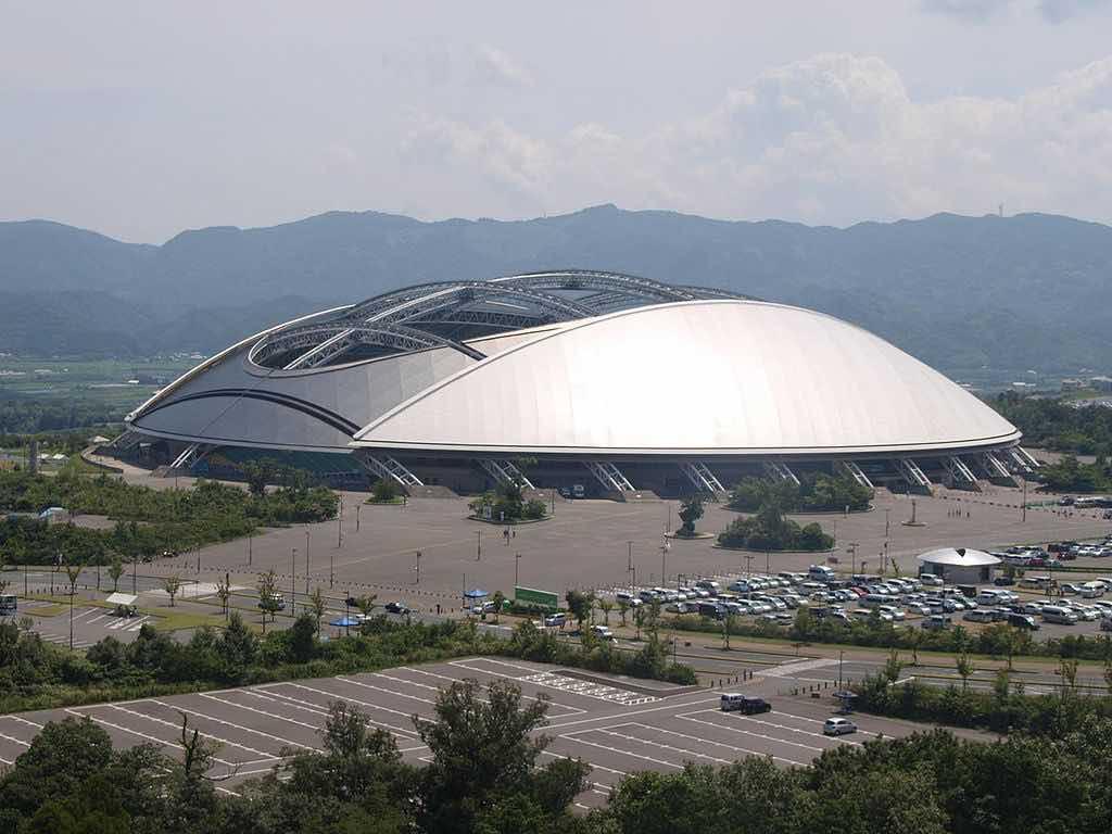 Oita Stadium, Oita, Japan - by 大分帰省中:Wikimedia
