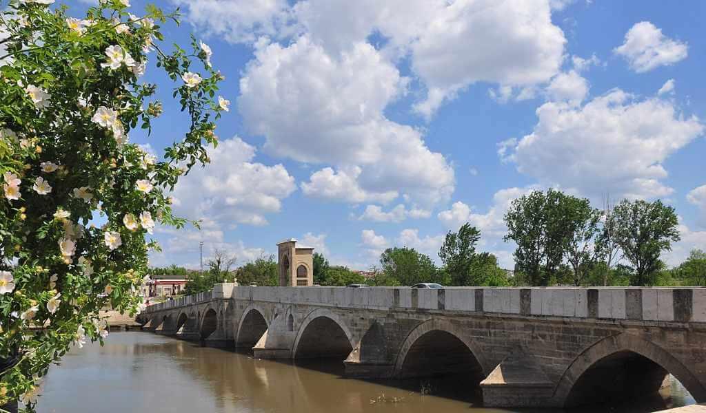 Tunca Bridge -by MEH Bergmann/Wikimedia.org