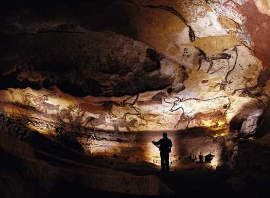 Lascaux Caves, France -by Bayes Ahmed/Flickr.com