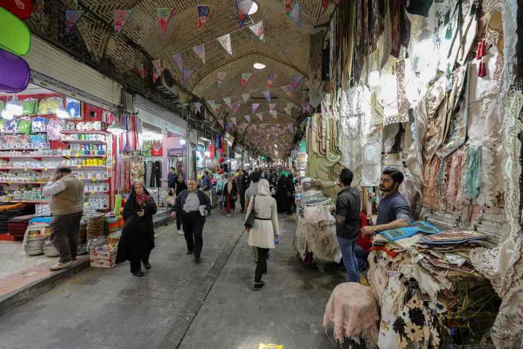 Grand Bazaar -by Ninara/Flickr.com