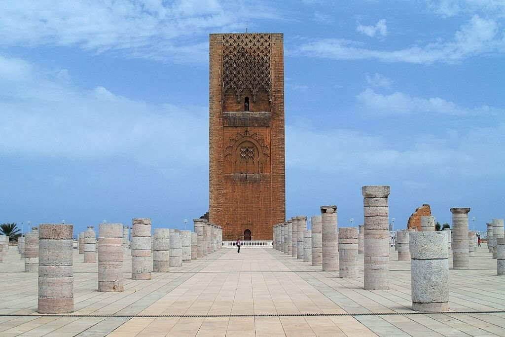 Hassan Tower -by barna421/Quentin Dreze/Wikipedia.org