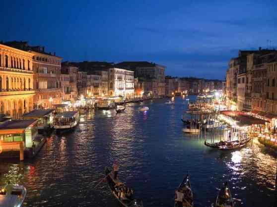 Italy -by Free Photos/Pixabay.com