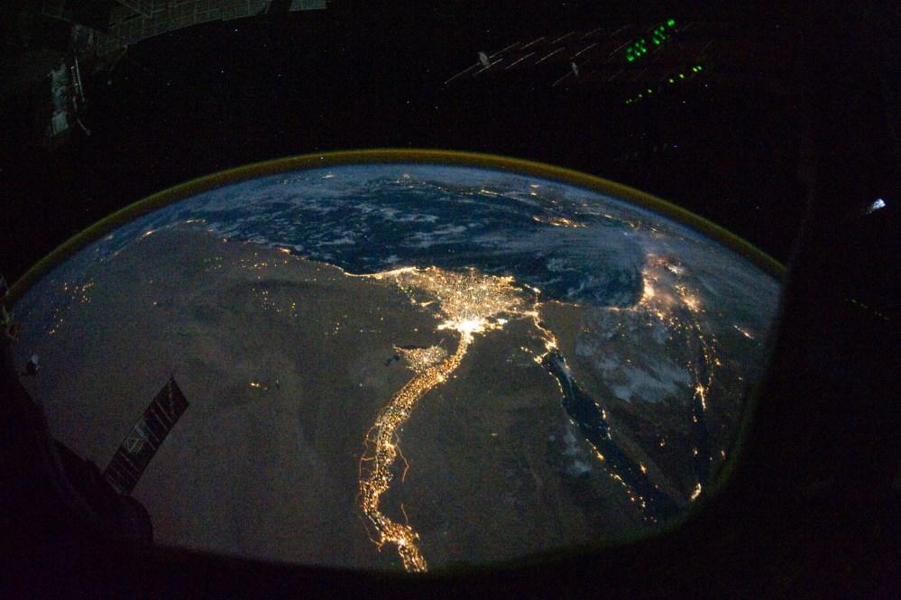 Earth: Night Lights (3/6)