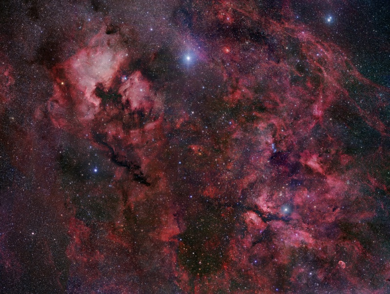Bright, hot, supergiant star Deneb lies at top center in this gorgeous skyscape.
