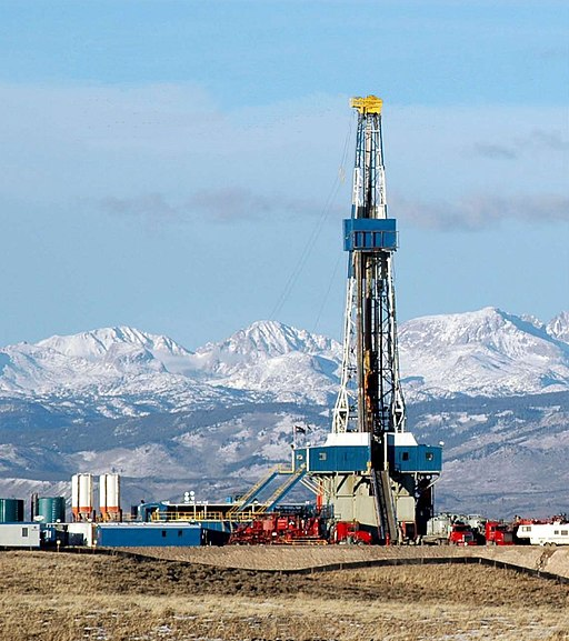 A natural gas drilling rig on the Pinedale Anticline, just west of Wyoming's Wind River Range.