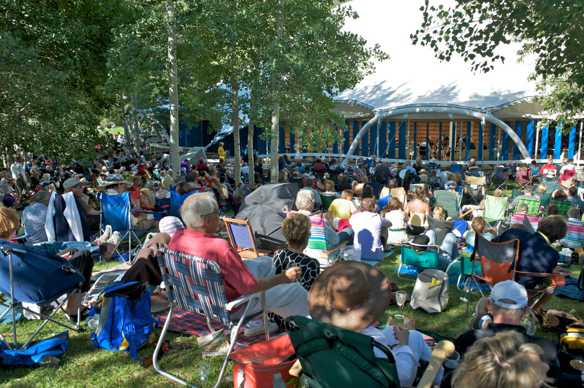 <p>Outside the tent at an Apsen Music Festival and School concert.</p>