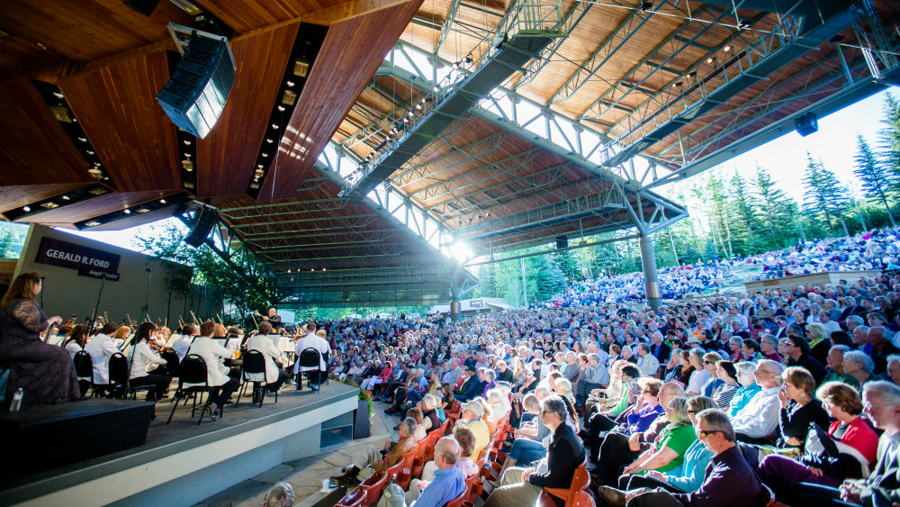 <p>The Dallas Symphony performs at Bravo! Vail.</p>