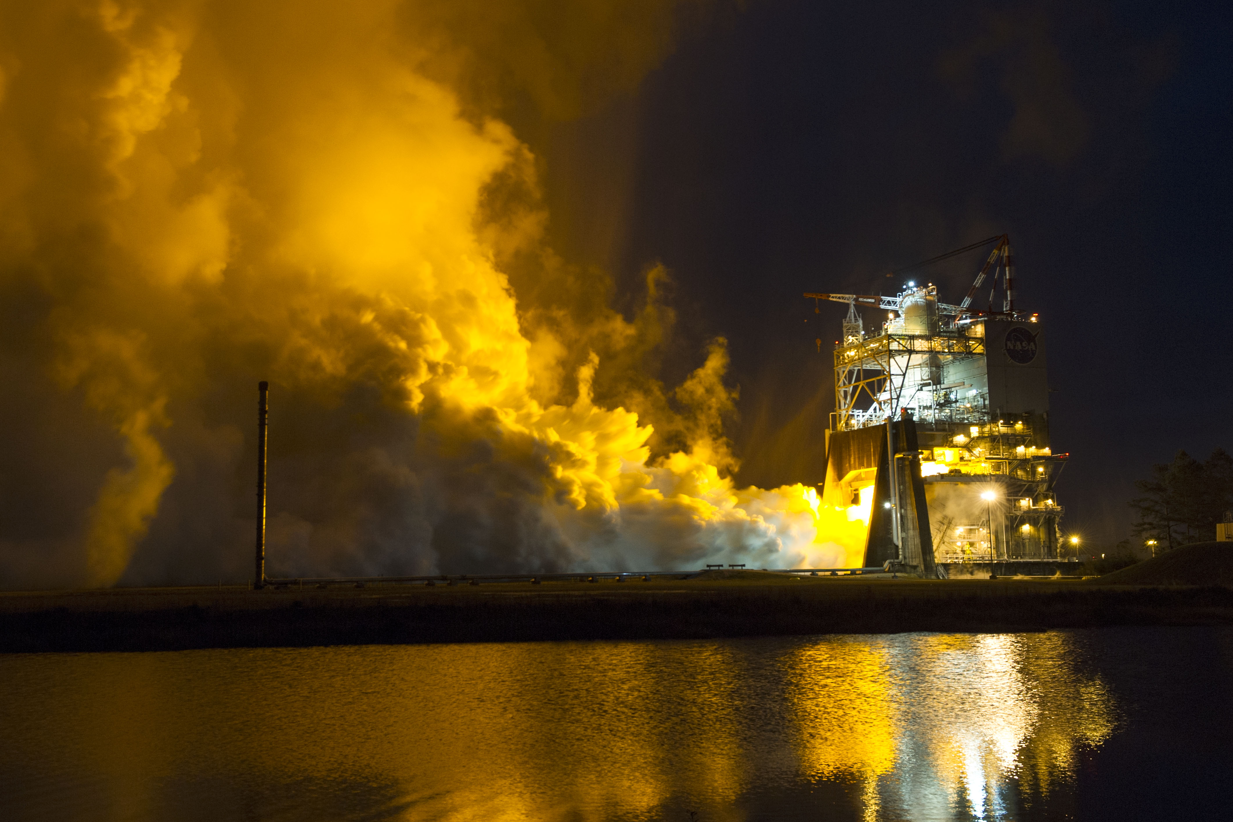 <p>The RS-25 engine that will drive NASA's new rocket, the Space Launch System, to deep space wassuccessfully tested January9 at theStennis Space Center in Mississippi.</p>