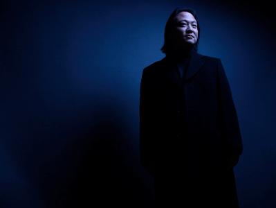 <p>Conductor Scott Yoo.</p>