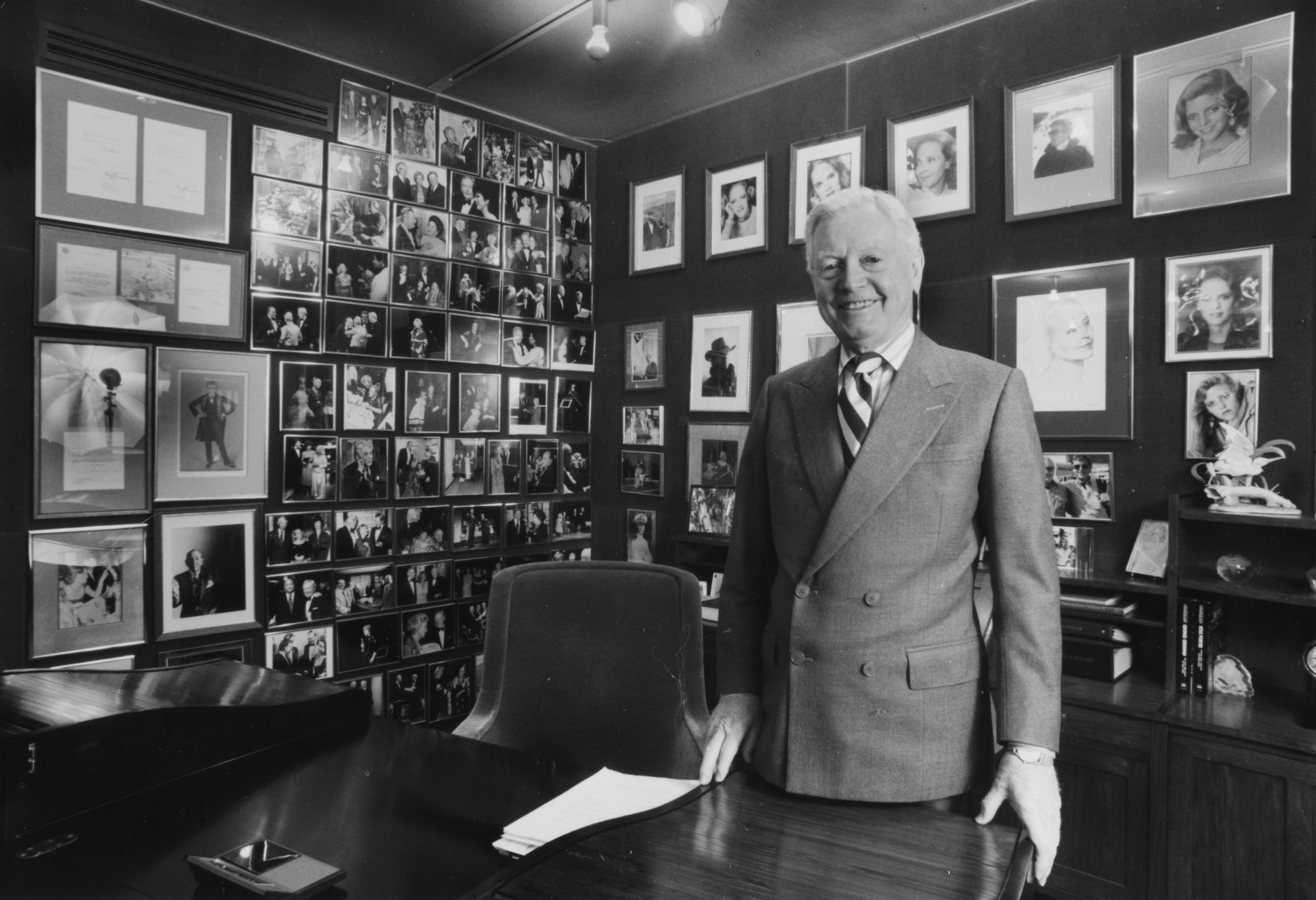 <p>Donald Seawell in his office at the Denver Center for the Performing Arts in 1991.</p>