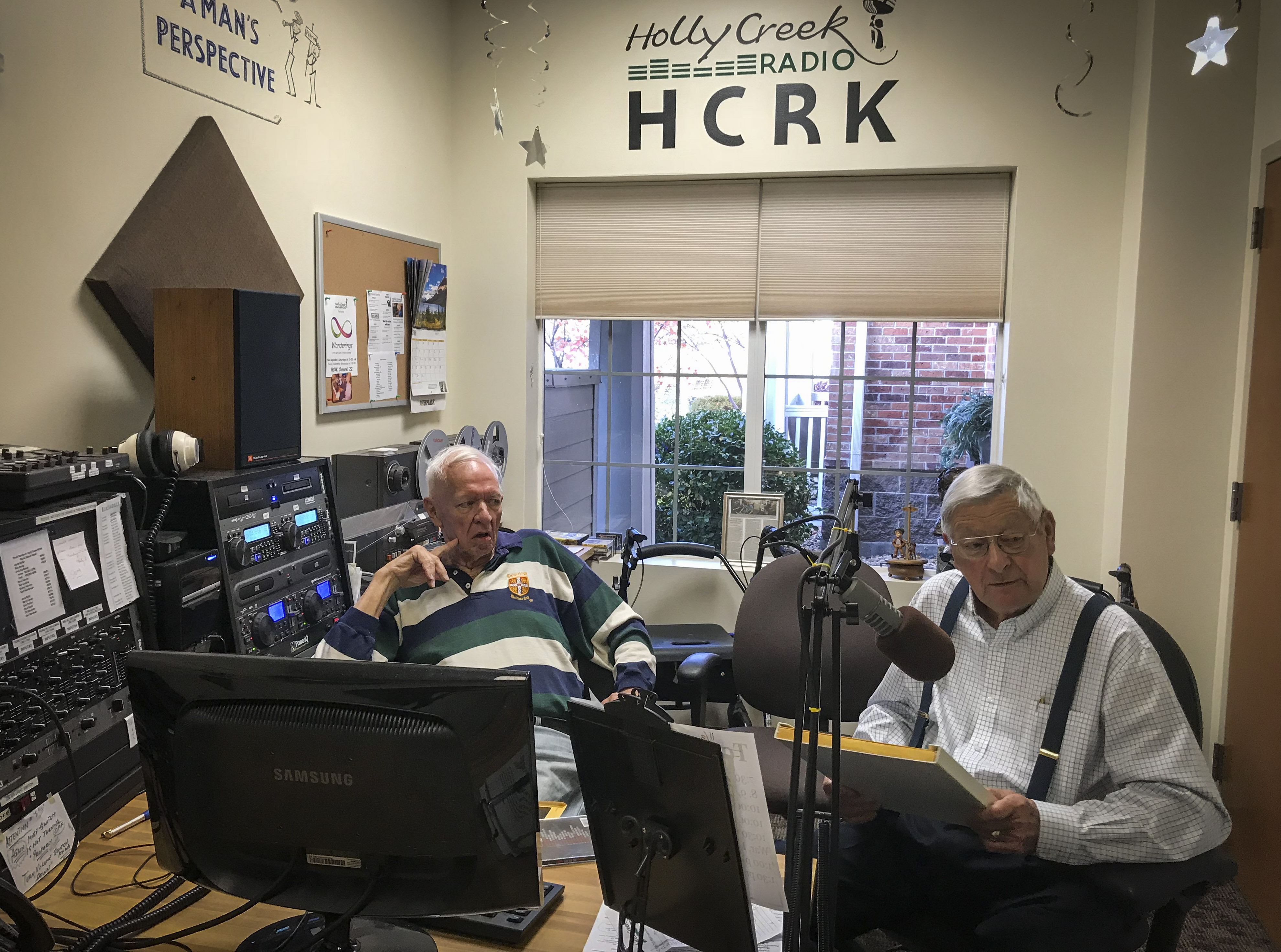 <p>Dick Gustafson, left, and Bob Stong hang out in the HCRK studio.</p>