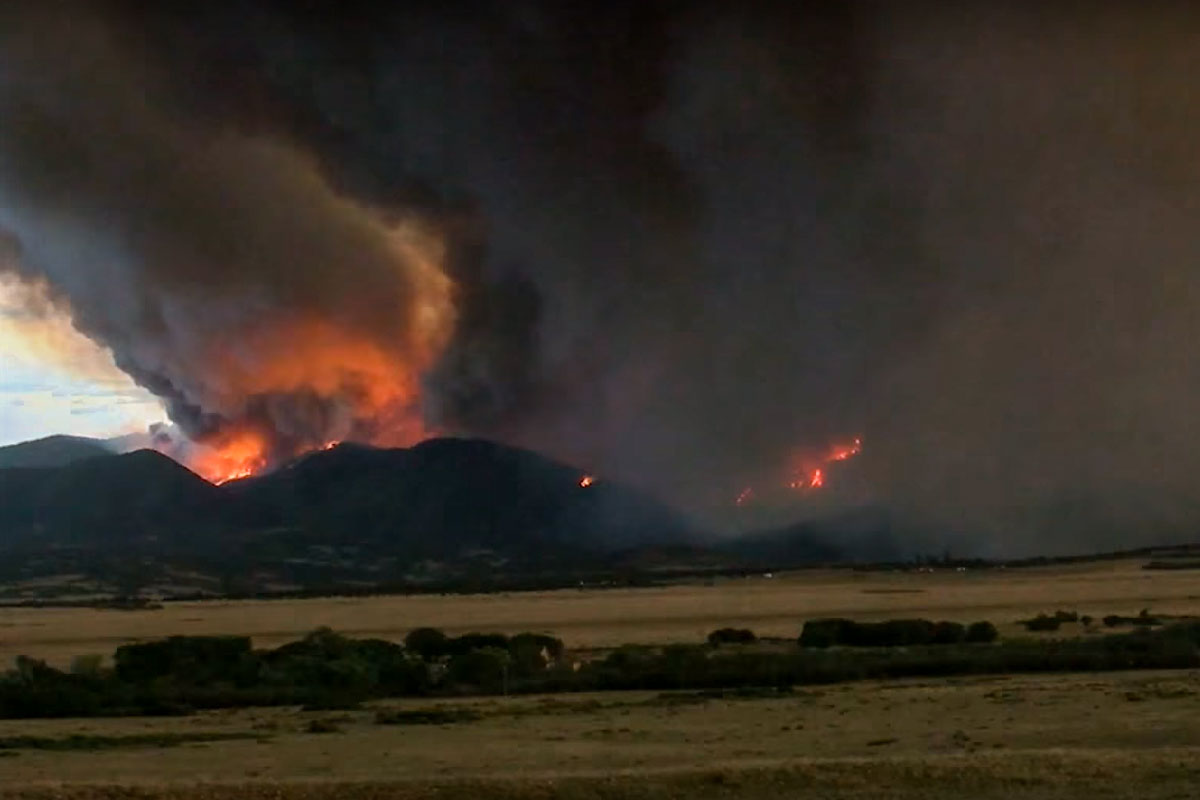 <p>The Spring Fire is burning east of Fort Garland in Costilla County, Colo., July 2, 2018.</p>