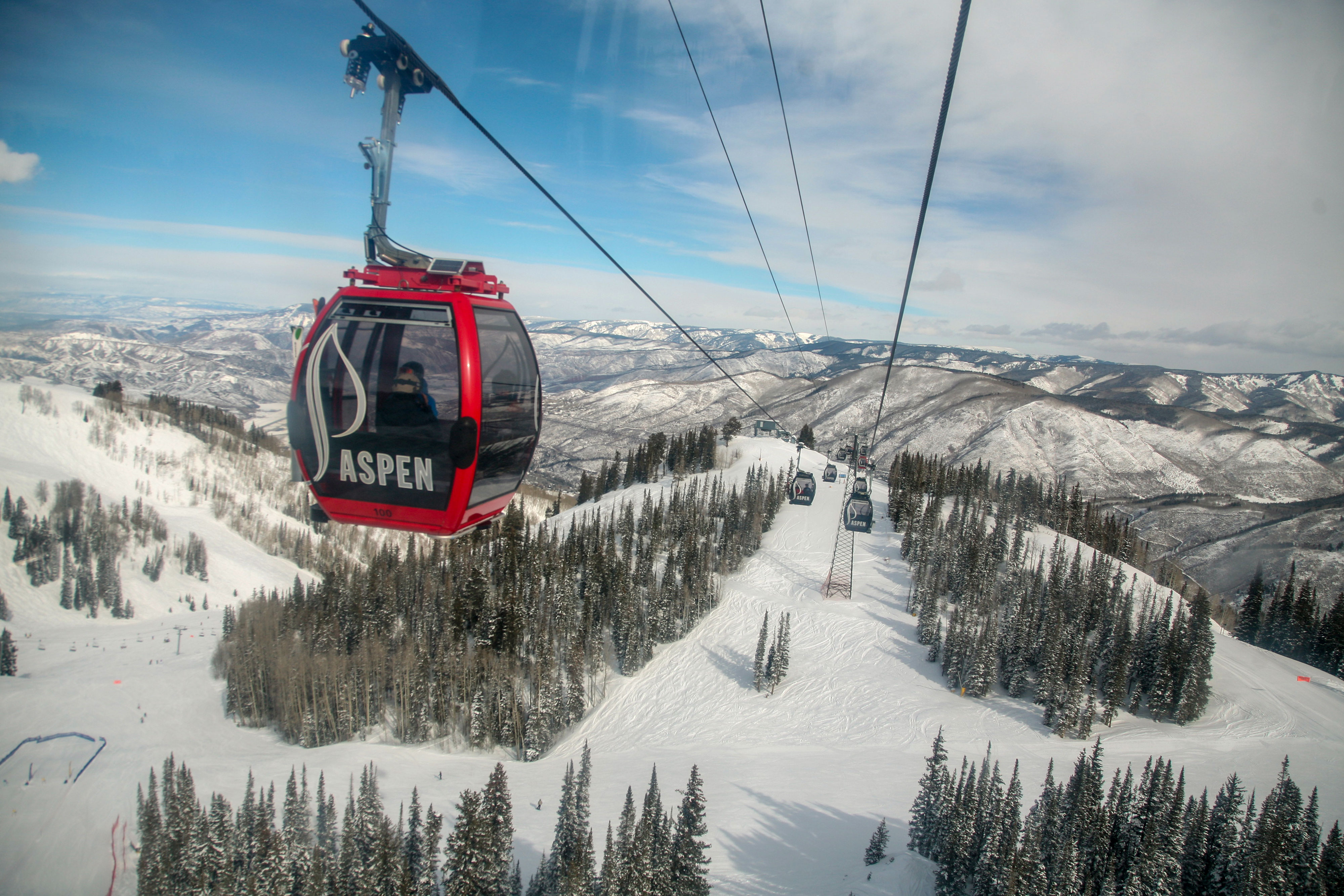<p>While Aspen has been a skiing destination since the 1940s, the opening of its Silver Queen Gondola in 1986 helped its appeal explode. It cut the time it took to get up the mountain and shielded increasingly wealthy visitors from the elements.</p>
