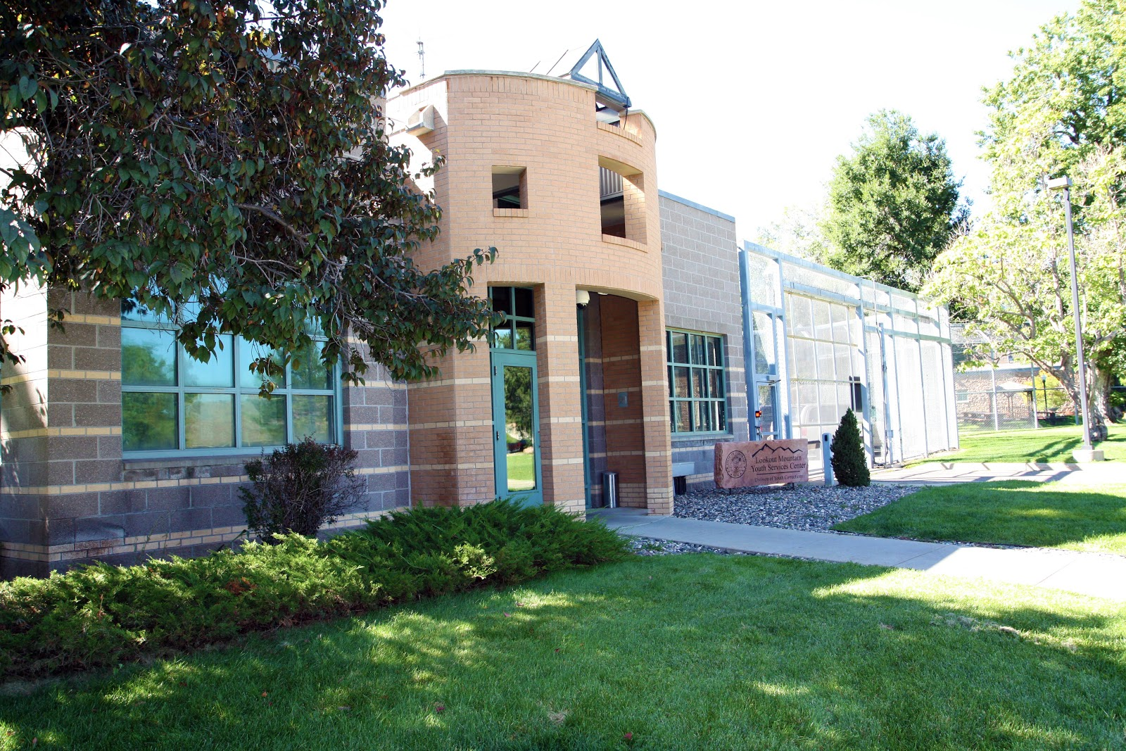 <p>Lookout Mountain Youth Services Center (LMYSC), located in Golden Colorado, is an intensive secure treatment program for 140 male juvenile offenders. </p>
