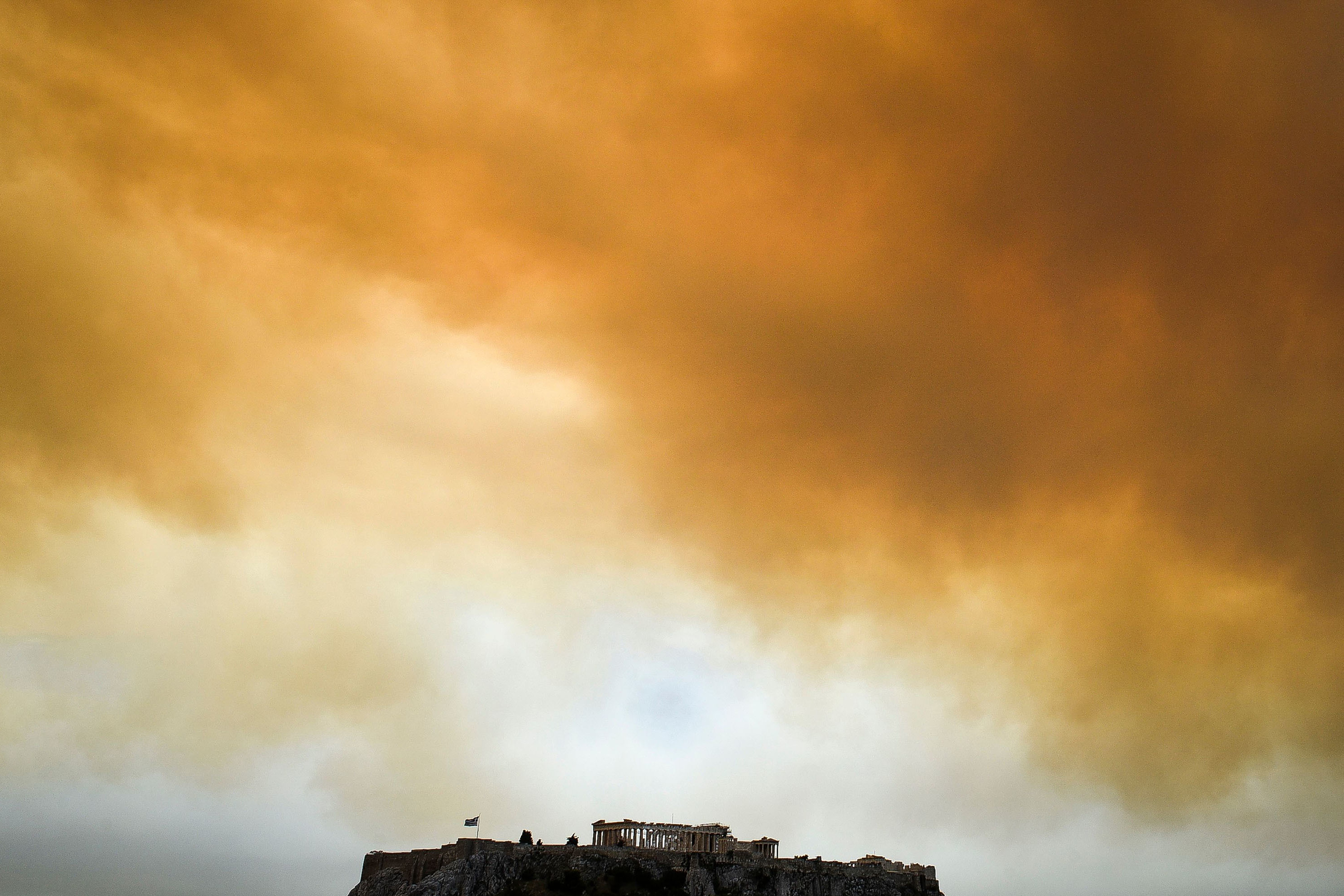 12greecefire-gettyimages-1004298878
