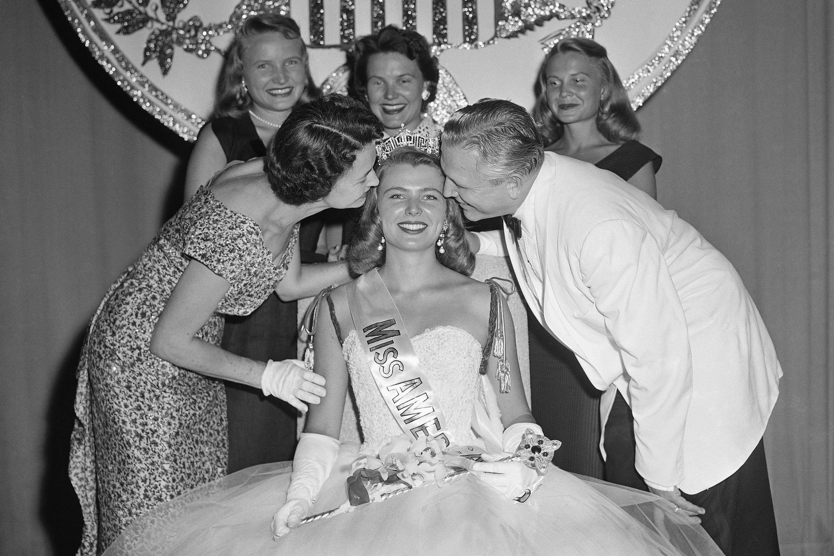 Marilyn Van Derbur, newly crowned Miss America of 1958, is shown with her family, Sept. 7, 1957, in Atlantic City, N.J.