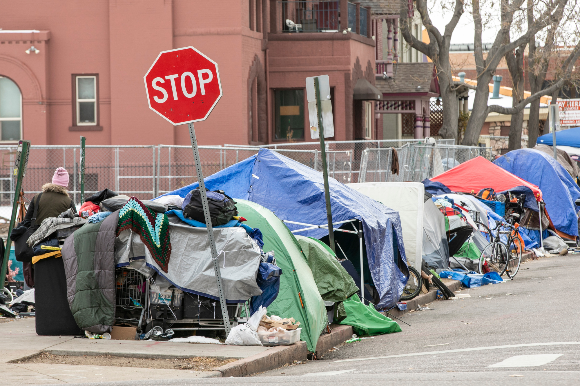 DENVER-HOMELESS-CAMPS-201201