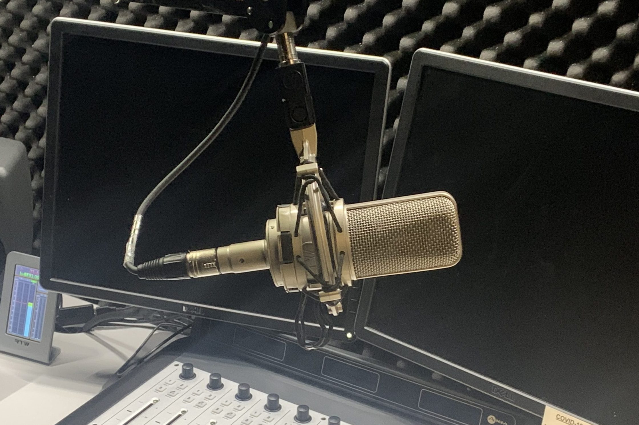 Microphone Generic Radio Booth