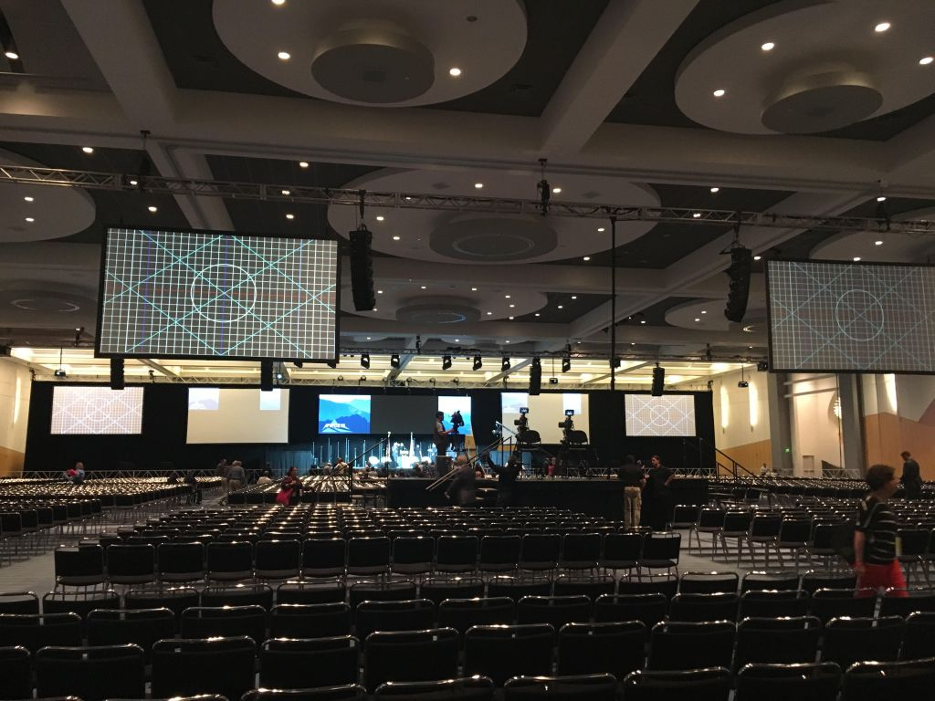 The Convention Center ballroom sits ready at 8 a.m. the morning of the first day of the Western Conservative Summit. (Erica Meltzer/Denverite)