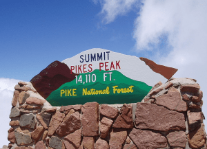 The sign atop Pikes Peak. Charles Williams / Flickr / Creative Commons