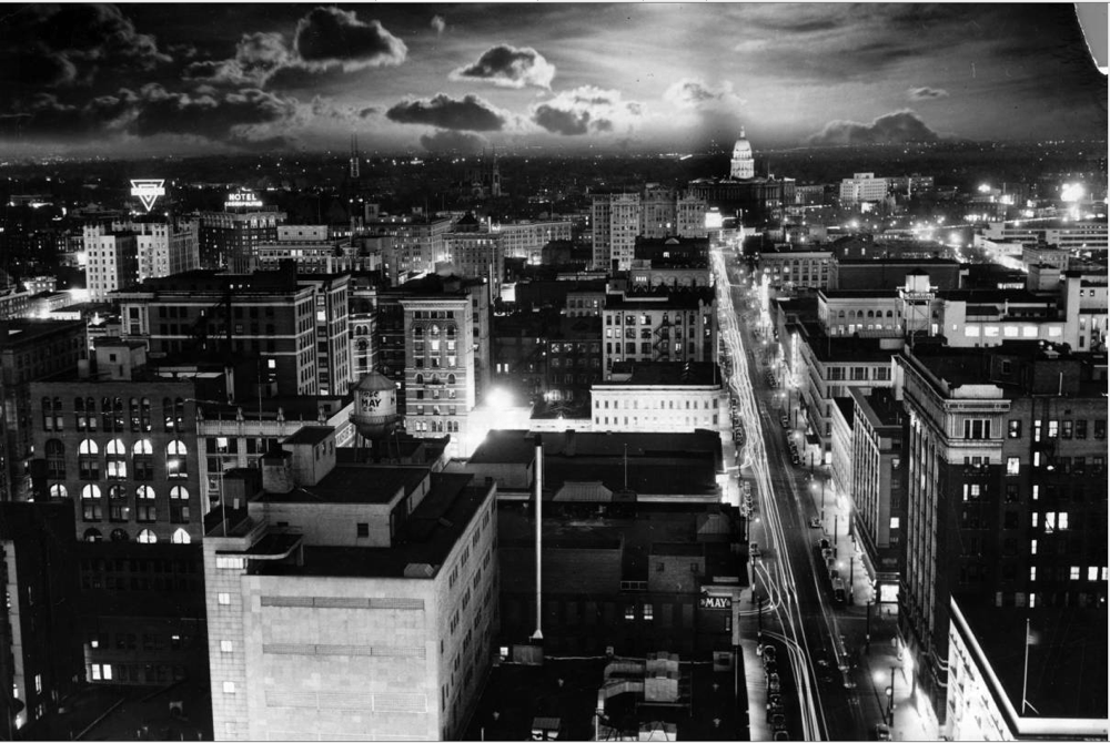 Sunrise on 16th Street on May 3, 1950. (Bill Peery/Denver Public Library/Western History Collection/X-23377)