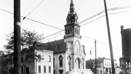 Sacred Heart Catholic Church in the 1920s. (Denver Public Library/Denver News collection/R7100253890)