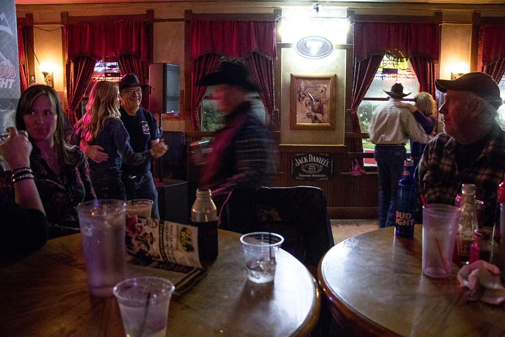 Wednesday night at the Stock Yards Saloon during the National Western Stock Show, Jan. 11, 2018. (Kevin J. Beaty/Denverite)   country bar; bars; nightlife; music; country music; kevinjbeaty; denver; denverite; colorado;